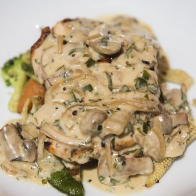 Chicken Breasts in Creamy Mushroom Sauce Recipe